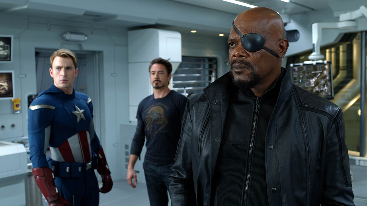 Nick Fury, Tony Stark y Capitn Amrica en LOS VENGADORES