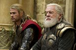 Foto Chris Hemsworth y Anthony Hopkins en Thor 2: el mundo oscuro