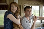 Foto Kristen Connolly y Chris Hemsworth en La cabaña en el bosque